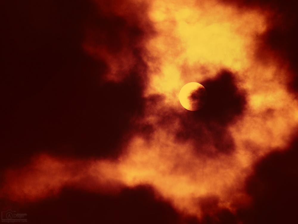Supermaţie solară 1 - Nikon D7000 + 55-200 VR @ 200mm, 1/8000s, f/32, ISO 640