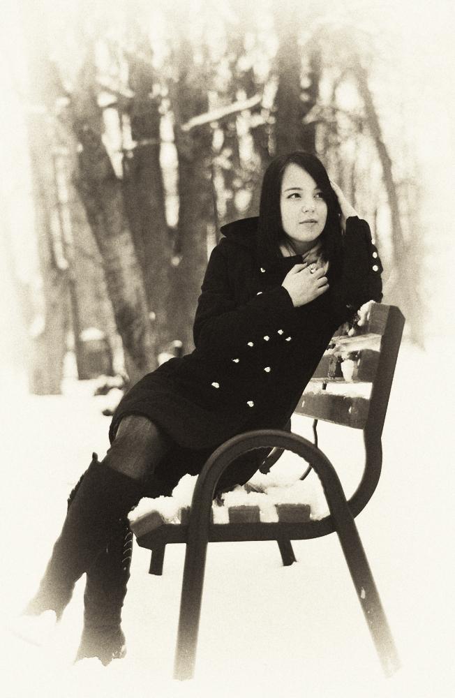 Portret aparte de iarnă - Nikon D7000 + 50 1.8 - 1/4000s, f/1.8, ISO 400