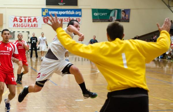 HC Odorhei - CSM Dinamo (35-27)