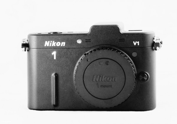 Nikon 1 V1 - Vedere frontală