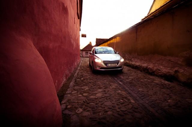 Fotografii cu Peugeot 301 în Cetatea Sighișoarei