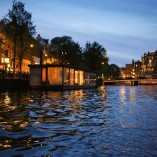 Plimbare pe canalele din Amsterdam