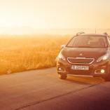 Fotografii cu Peugeot 2008 la răsărit