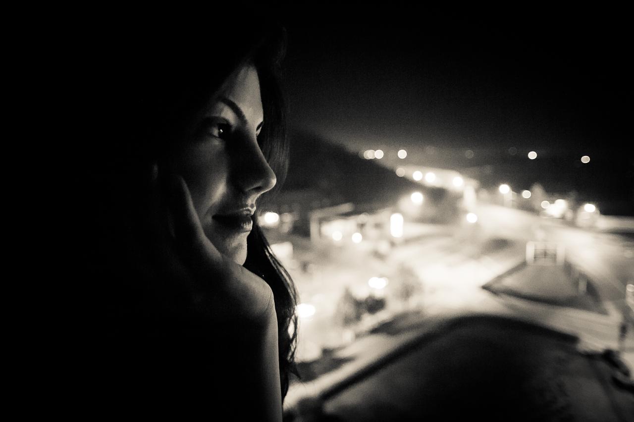 Portret în luminile nopții