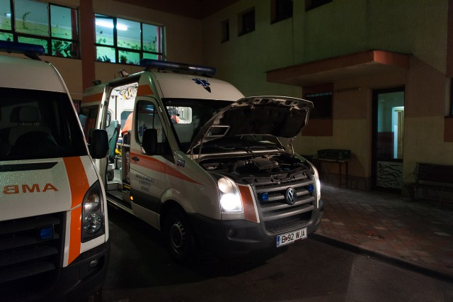 Verificarea ambulanței - Fotoreportaj: 15 ore pe ambulanță