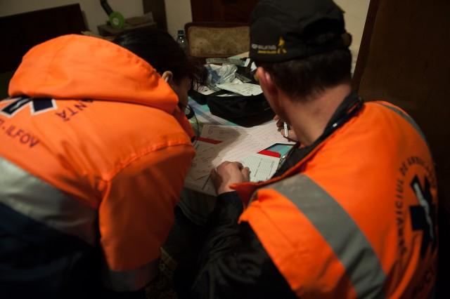 Stabilizarea pacientului - - Fotoreportaj: 15 ore pe ambulanță