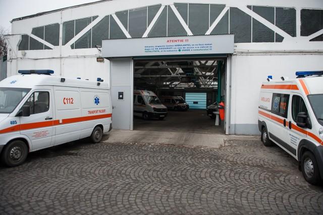 Stația Centrală - Fotoreportaj: 15 ore pe ambulanță