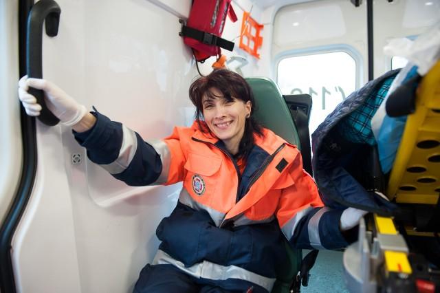 Mai trebuie și puțină energie și voie bună pentru încurajare - Fotoreportaj: 15 ore pe ambulanță