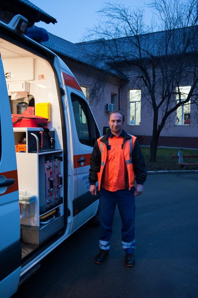 Ambulanțierul Popescu Florin - Fotoreportaj: 15 ore pe ambulanță