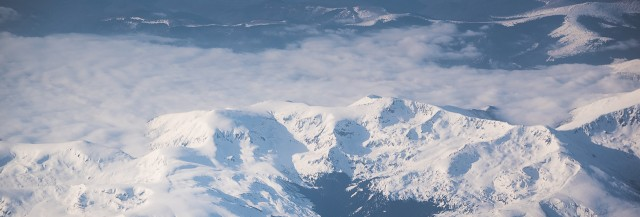 Carpații Meridionali fotografiați din avion la început de primăvară 14