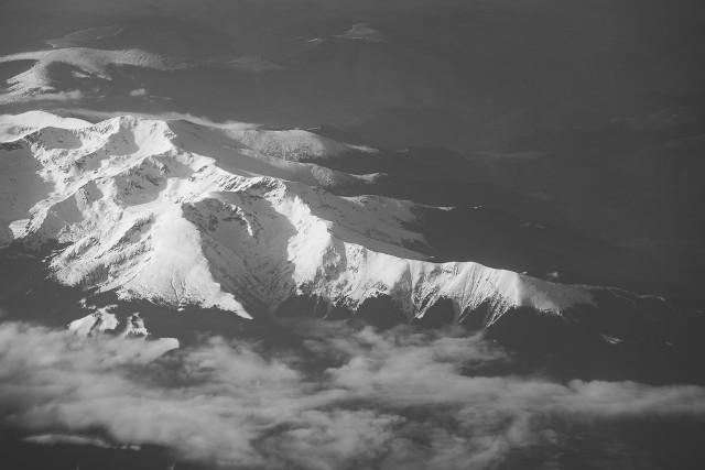Carpații Meridionali fotografiați din avion la început de primăvară 16