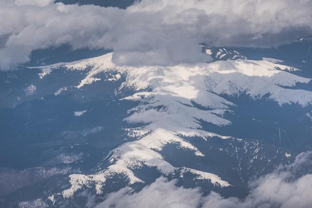 Carpații Meridionali fotografiați din avion la început de primăvară 3
