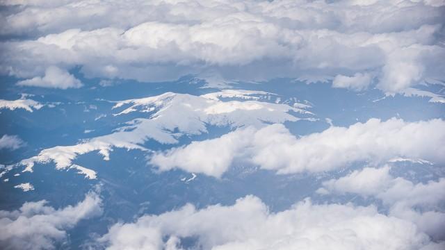 Carpații Meridionali fotografiați din avion la început de primăvară 6